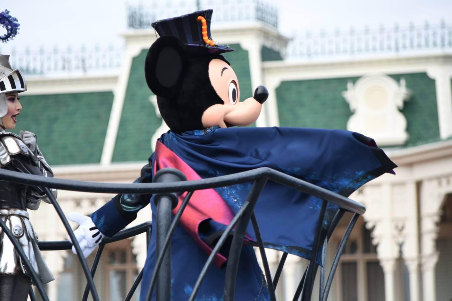 ハロウィンディズニー定番のおすすめ仮装!!人気キャラクターのミッキー&フレンズの全身フル仮装でディズニーを楽しもう!!