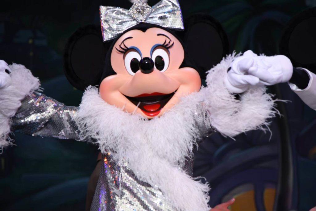 ベリーベリーミニー/イッツ・ベリー・ミニー!【過去のショー・パレードの衣装も観れるステージショー】