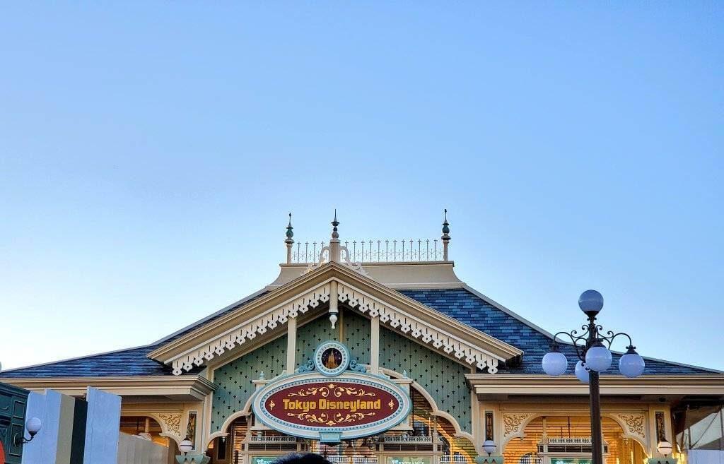 ディズニーランド、ディズニーシーの臨時休園を延長、再開は4月20日以降に