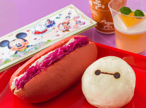 ベイマックスモチーフの新メニューが販売/スペシャルセットのチキンエッグサンドとクリームパン