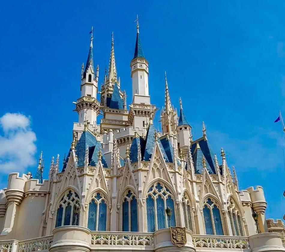 ディズニーで一番高い建物はどれ?