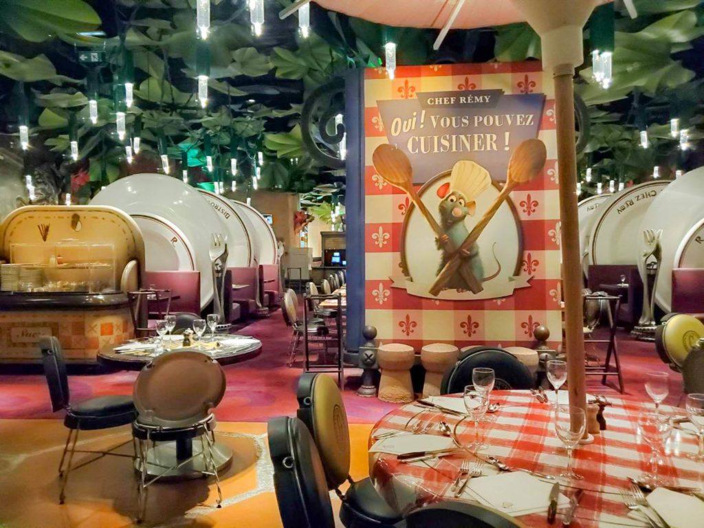 レストラン「ビストロ・シェ・レミー」が併設!ラタトゥイユが美味しい!!