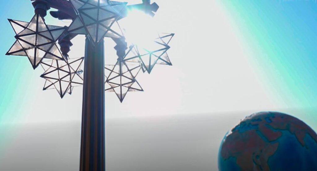アクアスフィアにまつわる豆知識 アクアスフィアの周りには月と星がある
