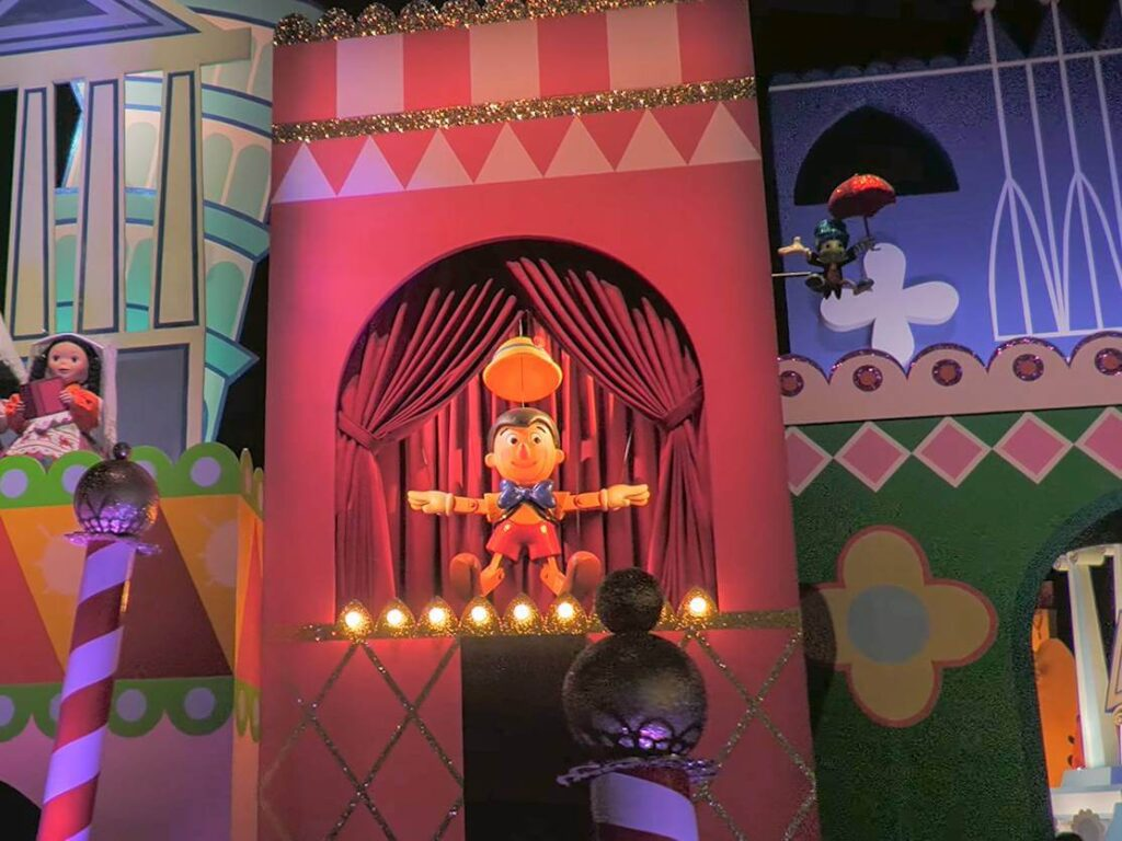 イッツ・ア・スモールワールドに登場するディズニー・ピクサーキャラクター一覧!ピノキオ
