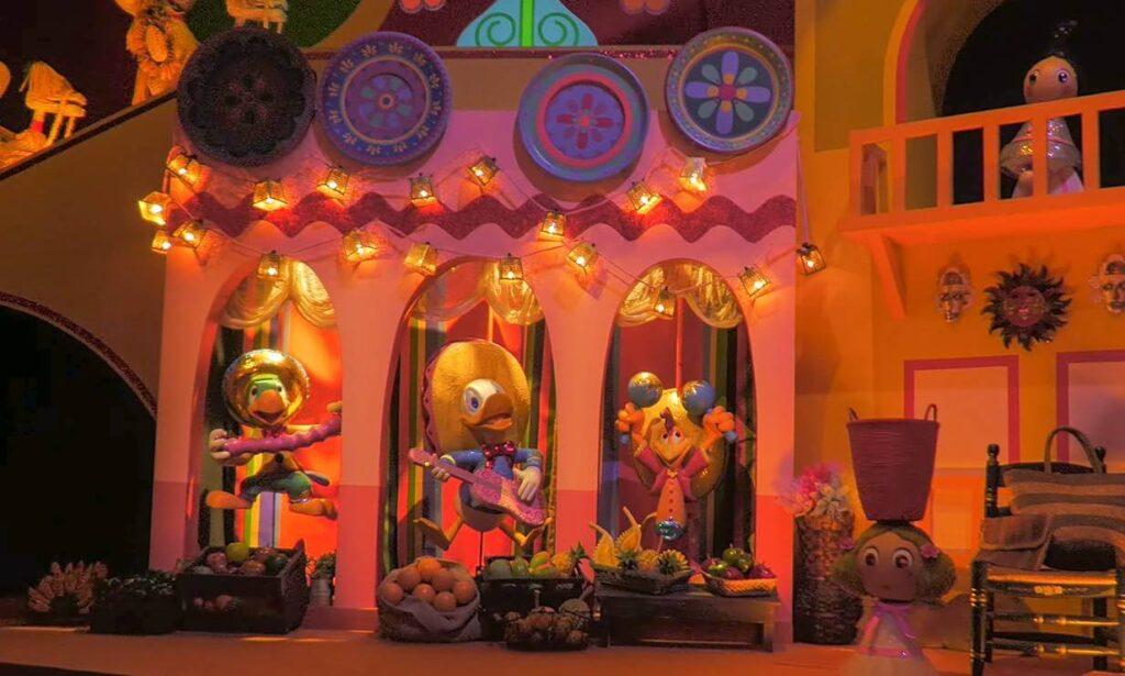 イッツ・ア・スモールワールドに登場するディズニー・ピクサーキャラクター一覧!三人の騎士 ドナルド ホセ パンチート